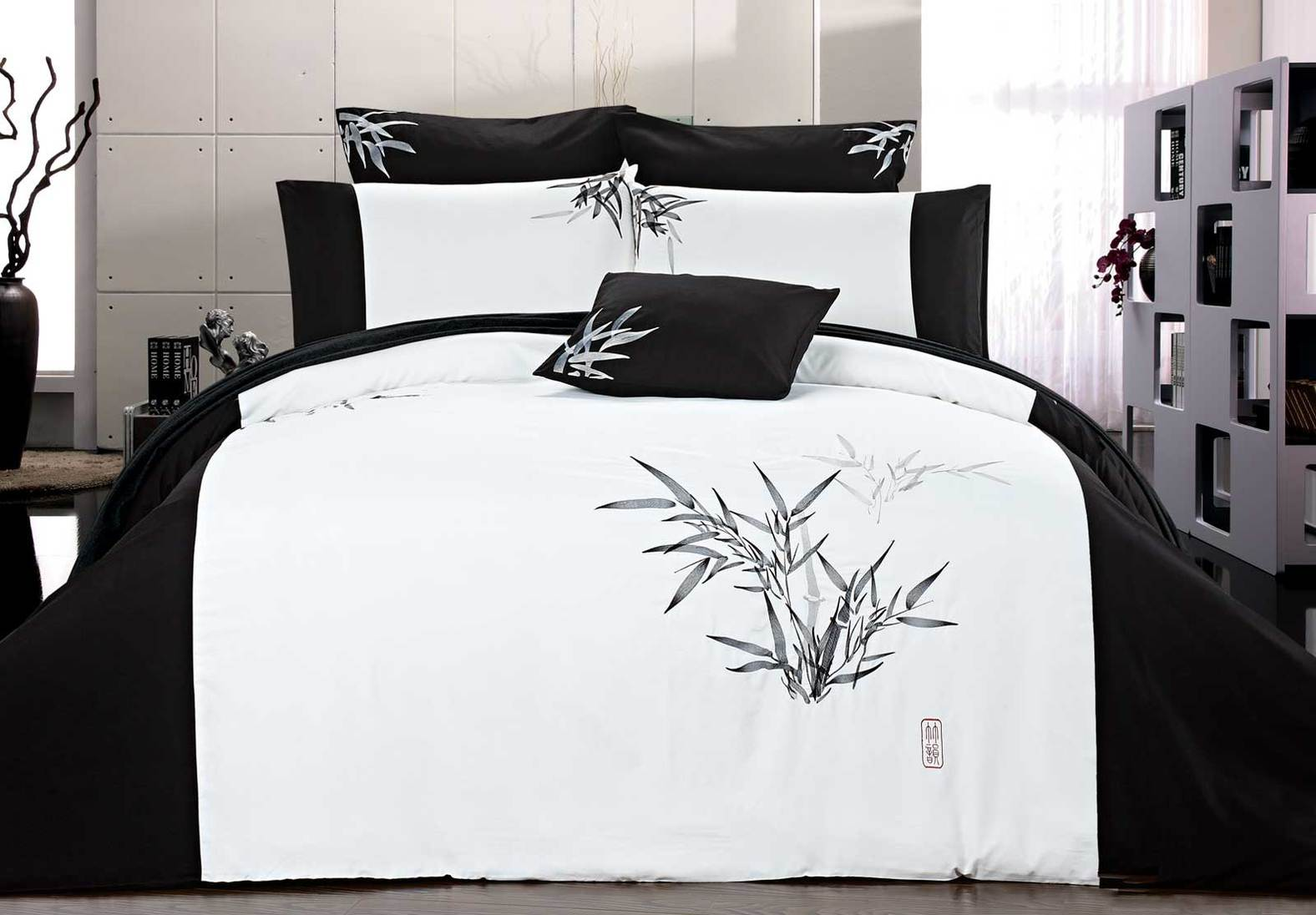 Queen Size Embroidered Bamboo Pattern White Quilt Cover Set (3PCS)